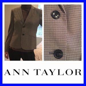 Like new! Ann Taylor blazer